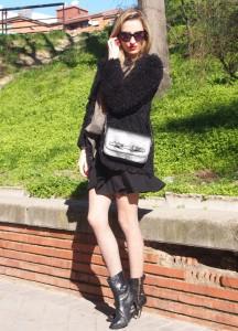 hoodie sunnies black skirt outfit