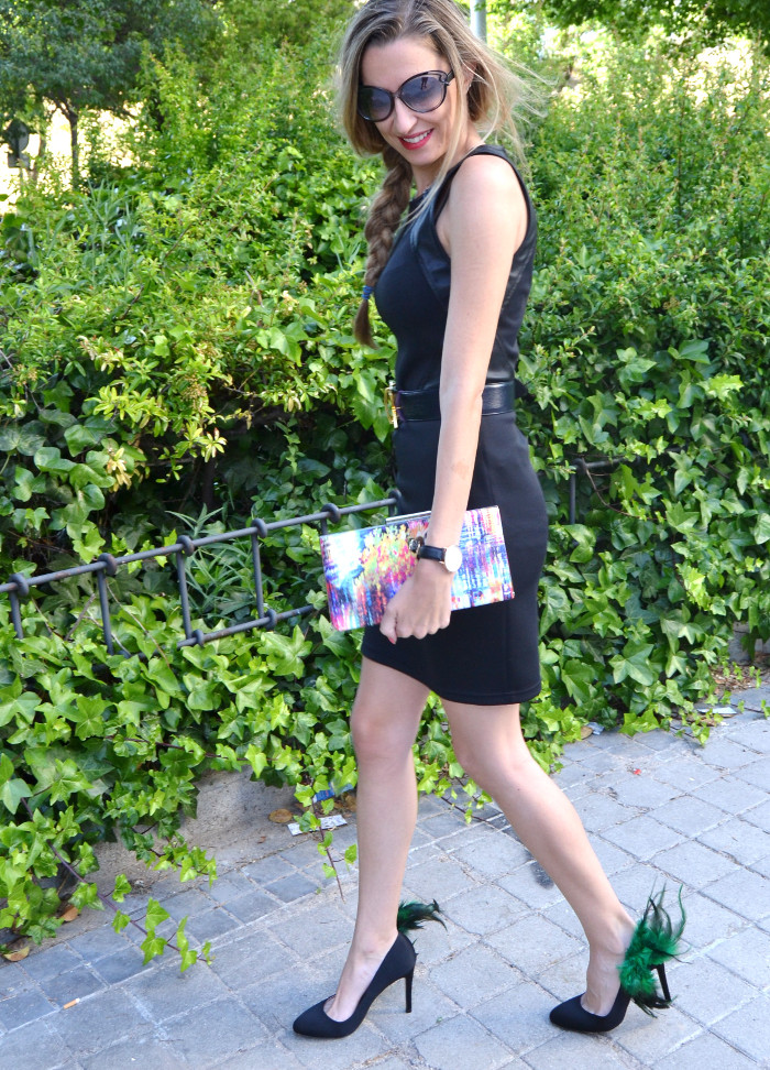 Black_Dress_Chic_Sympathique_Clutch_Customize_Zapatos_Customizados_Prada_Sunnies_Lara_Martin_Gilarranz_Bymyheels (15)