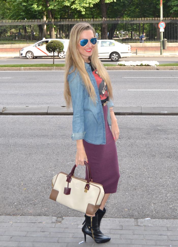 Midi_Skirt_Dolce_Gabbana_Tshirt_Menbur_Booties_Ray_Ban_Aviator_Sunnies_Amazona_Loewe_Lara_Martin_Gilarranz_Bymyheels (2)
