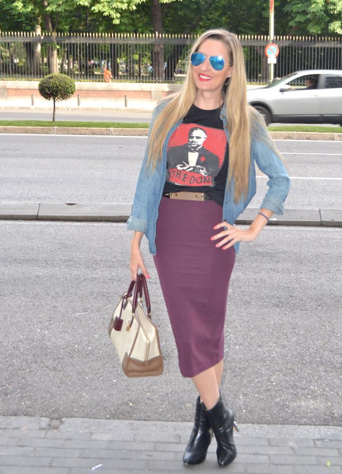 Midi_Skirt_Dolce_Gabbana_Tshirt_Menbur_Booties_Ray_Ban_Aviator_Sunnies_Amazona_Loewe_Lara_Martin_Gilarranz_Bymyheels (5)