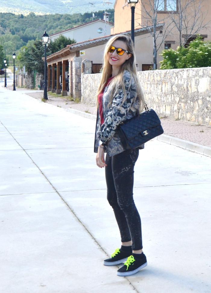 Chanel_2.55_Bomber_Skinny_Jeans_Hoodie_Vans_Mirror_Sunnies_Lara_Martin_Gilarranz_Bymyheels (2)