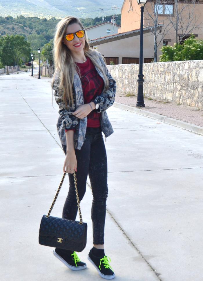 Chanel_2.55_Bomber_Skinny_Jeans_Hoodie_Vans_Mirror_Sunnies_Lara_Martin_Gilarranz_Bymyheels (5)