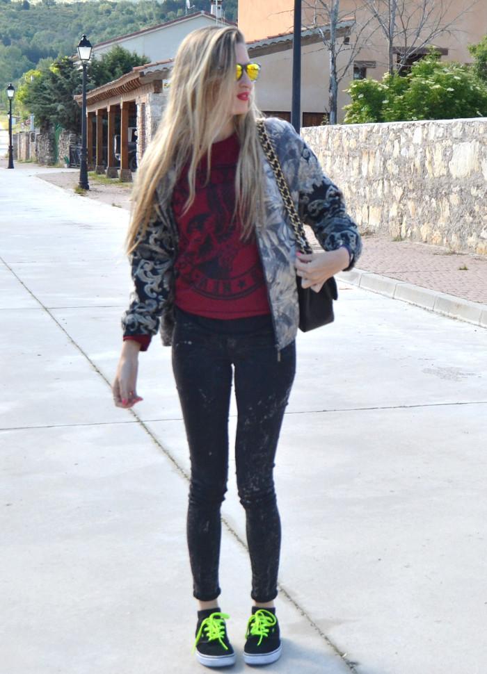 Chanel_2.55_Bomber_Skinny_Jeans_Hoodie_Vans_Mirror_Sunnies_Lara_Martin_Gilarranz_Bymyheels (8)