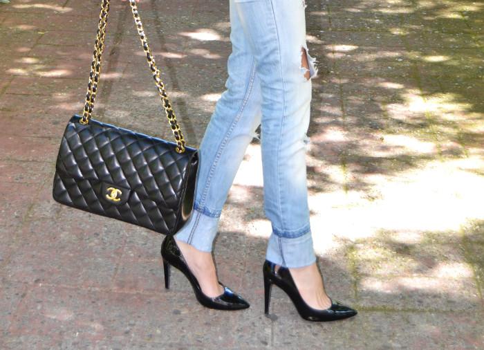 Chanel_255_Chanel_Bag_Black_Golden_Black_Stilettos_Ray_Ban_Leather_Jacket_Lara_Martin_Gilarranz_Bymyheels (5)