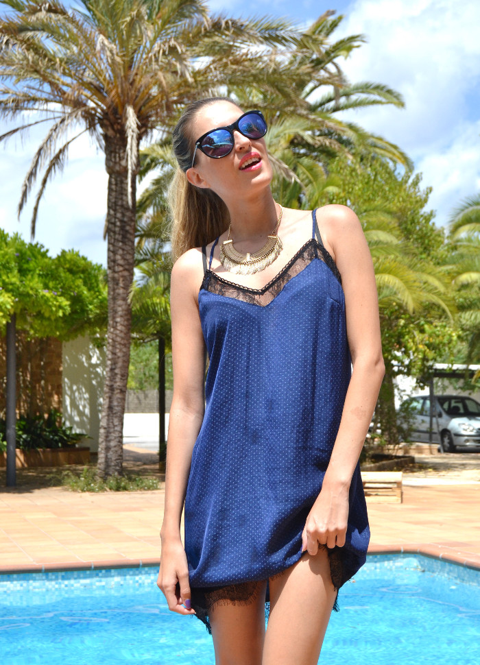 Lace_Dress_Mirror_Sunnies_Guess_Primark_Necklace_Lara_Martin_Gilarranz_Bymyheels (9)