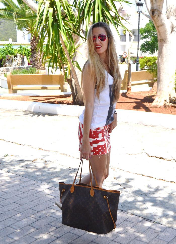 Strates_Print_Skirt_Blenders_Sunglasses_Eyewear_Eleven_Paris_T-shirt_Havaianas_Neverlfull_Louis_Vuitton_Lara_Martin_Gilarranz_Bymyheels (6)