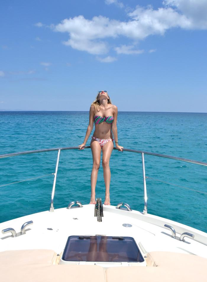 Formentera_Yatching_Time_Bikini_Sailing_Ibiza_Lara_Martin_Gilarranz_Bymyheels (5)