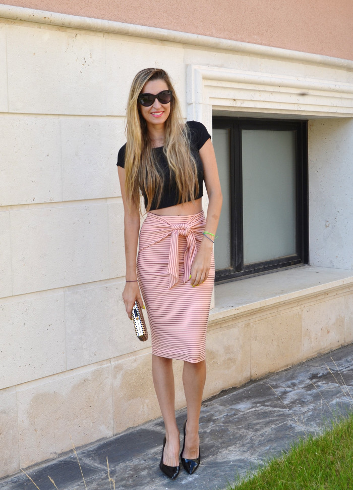Midi_Skirt_Crop_Top_Zara_Clutch_Volum_Bags_Black_Pink_Stilettos_Lara_Martin_Gilarranz_Bymyheels (1)