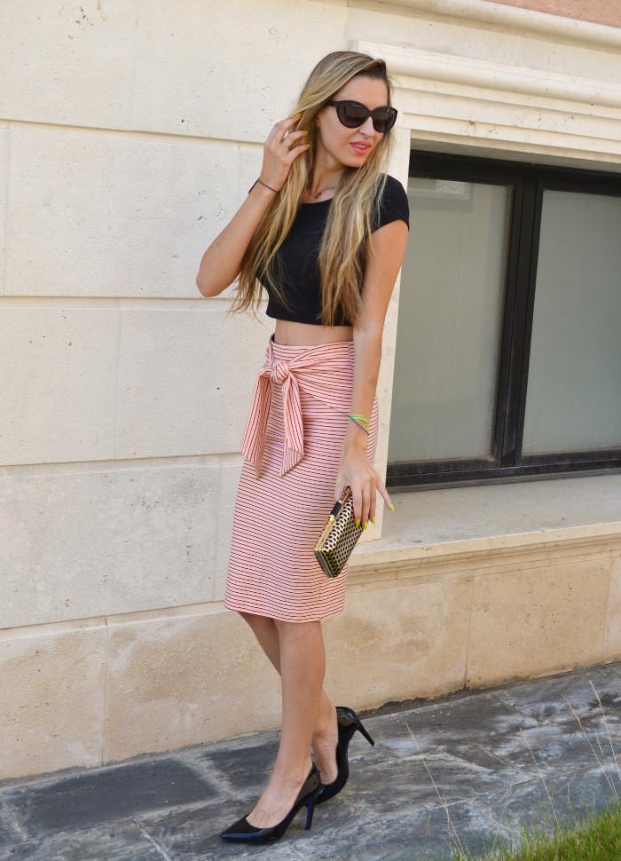 Midi_Skirt_Crop_Top_Zara_Clutch_Volum_Bags_Black_Pink_Stilettos_Lara_Martin_Gilarranz_Bymyheels (5)