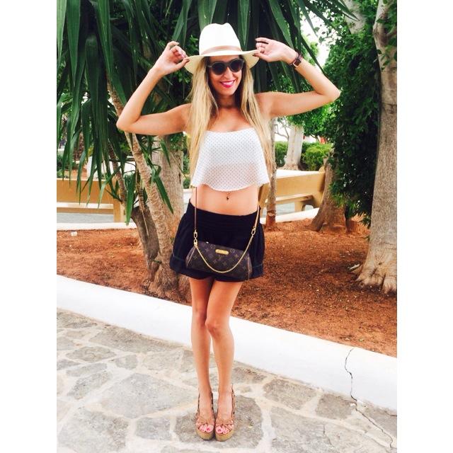 Isntagram_Ibiza_Yatching_Eivissa_Summer_Lara_Martin_Gilarranz_Bymyheels (6)