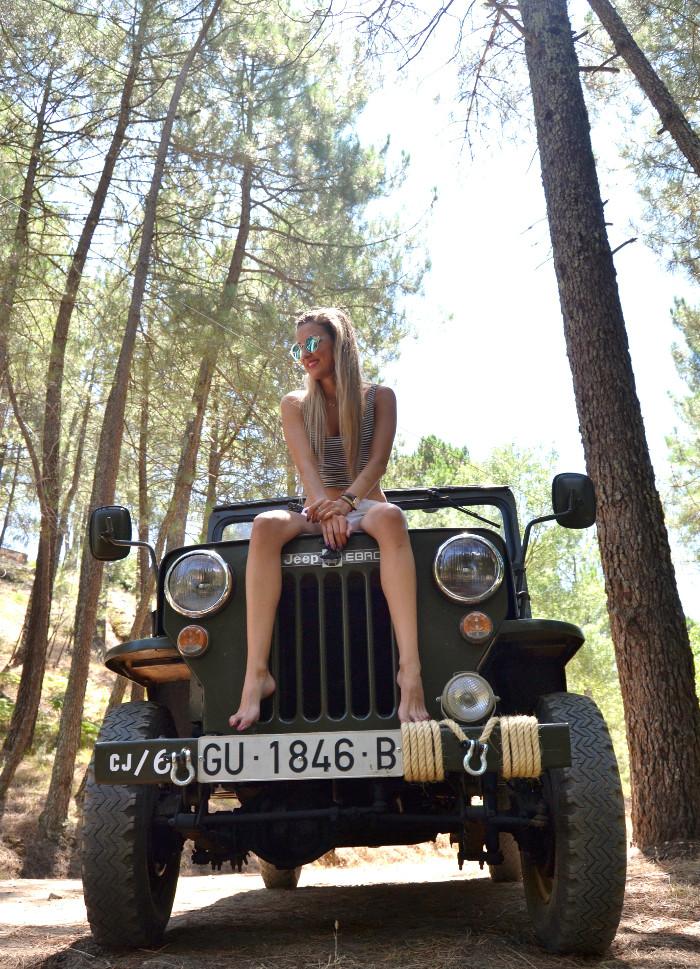 Jeep_Willys_II_Guerra_Mundial_Shorts_Cropped_Top_Sierra_Gredos_Lara_Martin_Gilarranz_Bymyheels (1)