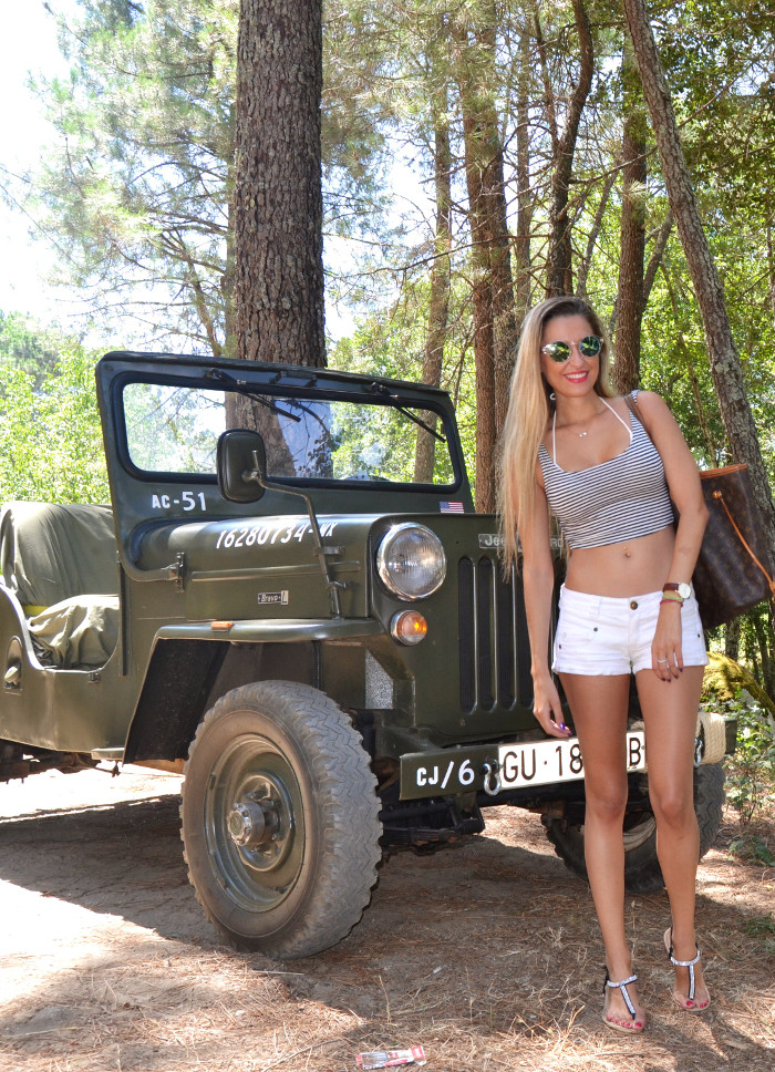 Jeep_Willys_II_Guerra_Mundial_Shorts_Cropped_Top_Sierra_Gredos_Lara_Martin_Gilarranz_Bymyheels (2)