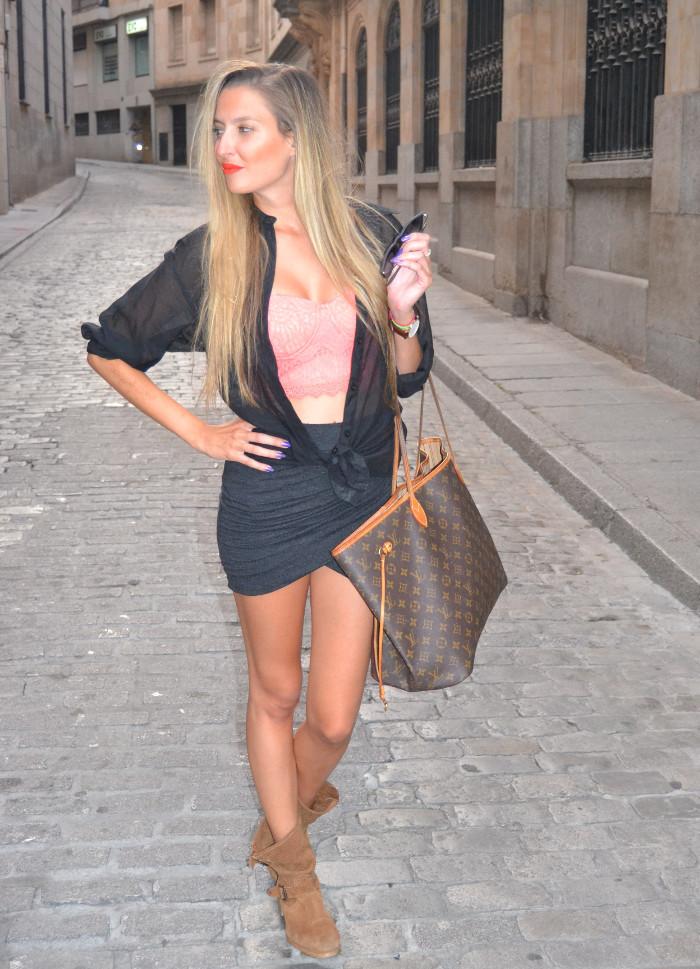 Salamanca_Drapped_Skirt_Ray_Ban_Neverfull_Louis_Vuitton_Crop_Top_Forever_21_Lara_Martin_Gilarranz_Bymyheels (5)