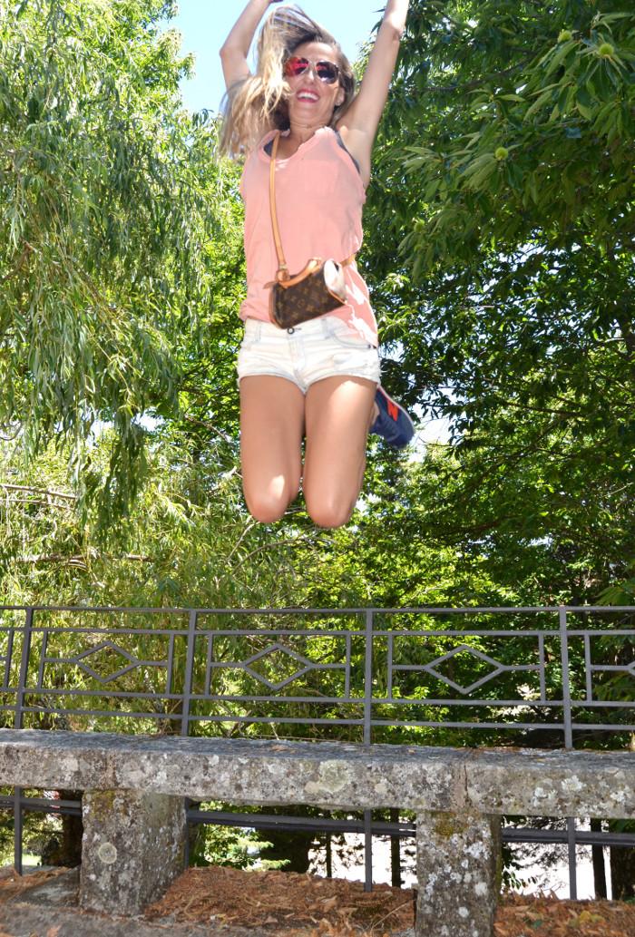 Shorts_Tank_Top_Mirror_Sunnies_New_Balance_Mini_Speedy_Louis_Vuitton_Lara_Martin_Gilarranz_Bymyheels (10)