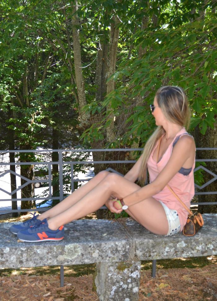 Shorts_Tank_Top_Mirror_Sunnies_New_Balance_Mini_Speedy_Louis_Vuitton_Lara_Martin_Gilarranz_Bymyheels (5)