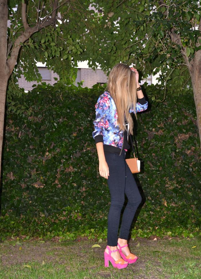 Personaling_Shopping_Online_Flowers_Bomber_Skinny_Jeans_Black_Mirror_Sunnies_Lara_Martin_Gilarranz_Bymyheels (5)