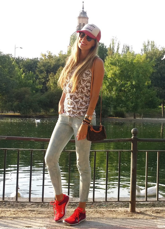 Talavera_Dinosaurs_Louis_Vuitton_Nike_Lara_Martin_Gilarranz_Bymyheels (2)