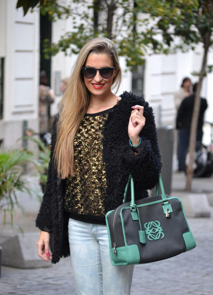 Fur_Coat_Capri_Jeans_stilettos_Amazona_Loewe_Lara_Martin_Gilarranz_Bymyheels (1)