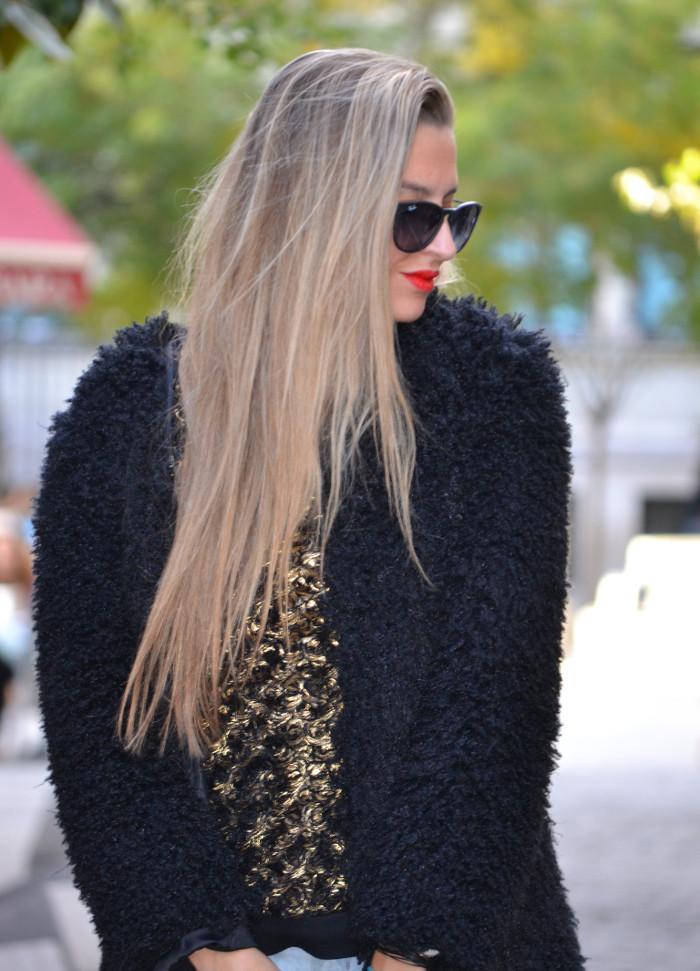 Fur_Coat_Capri_Jeans_stilettos_Amazona_Loewe_Lara_Martin_Gilarranz_Bymyheels (10)