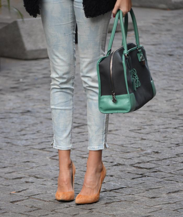 Fur_Coat_Capri_Jeans_stilettos_Amazona_Loewe_Lara_Martin_Gilarranz_Bymyheels (2)