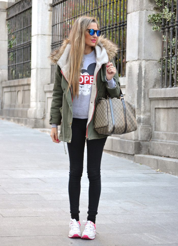 Military_Parka_New_Balance_Wantlook_Sunglasses_Mirror_Sunnies_Boston_Bag_Gucci_Lara_Martin_Gilarranz_Bymyheels (11)