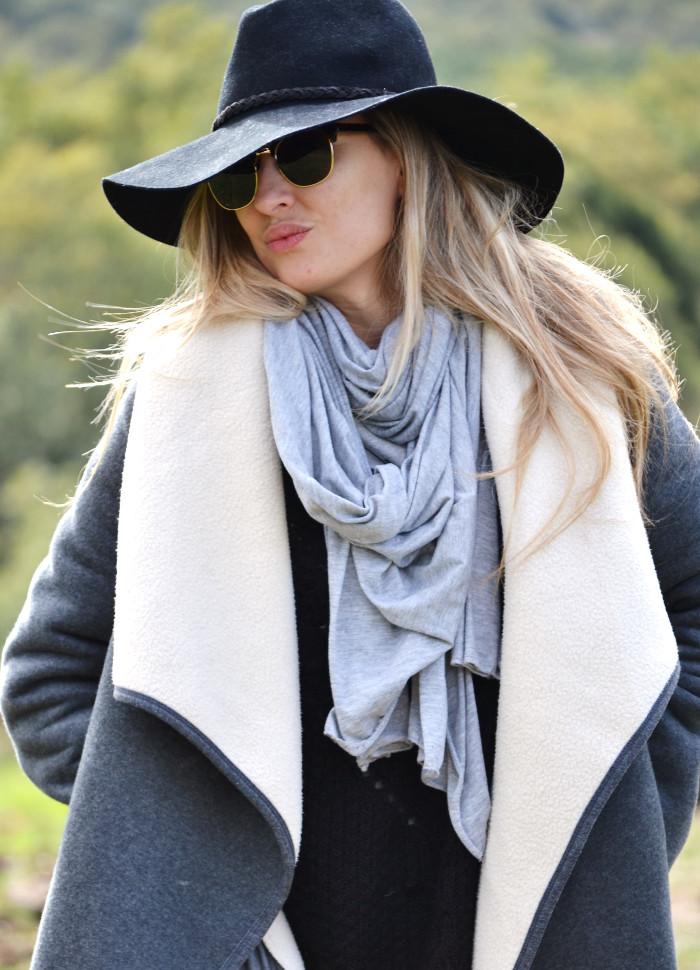Sierra_Riverside_Hat_Grey_Coat_Jeans_Alpe_Lara_Martin_Gilarranz_Bymyheels (11)