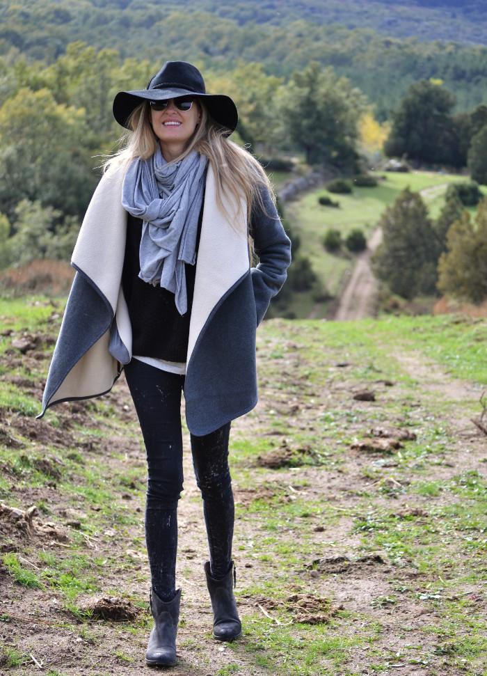 Sierra_Riverside_Hat_Grey_Coat_Jeans_Alpe_Lara_Martin_Gilarranz_Bymyheels (9)