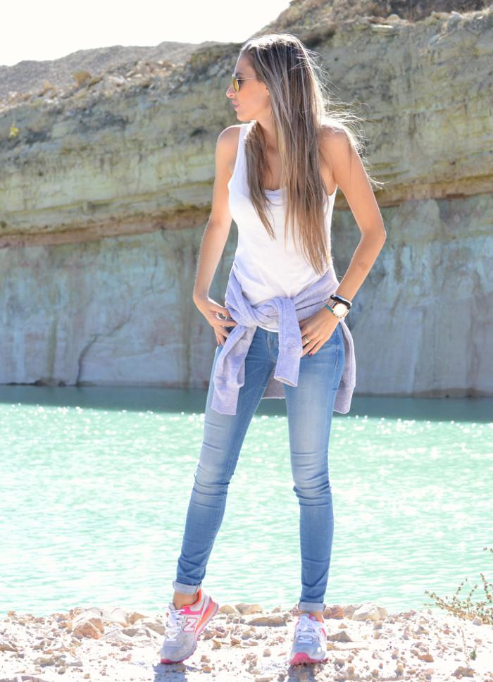 Skinny_Jeans_Sweatshirt_New_Balance_Tank_Top_Blenders_Salsa_Jeans_Lara_Martin_Gilarranz_Bymyheels (7)