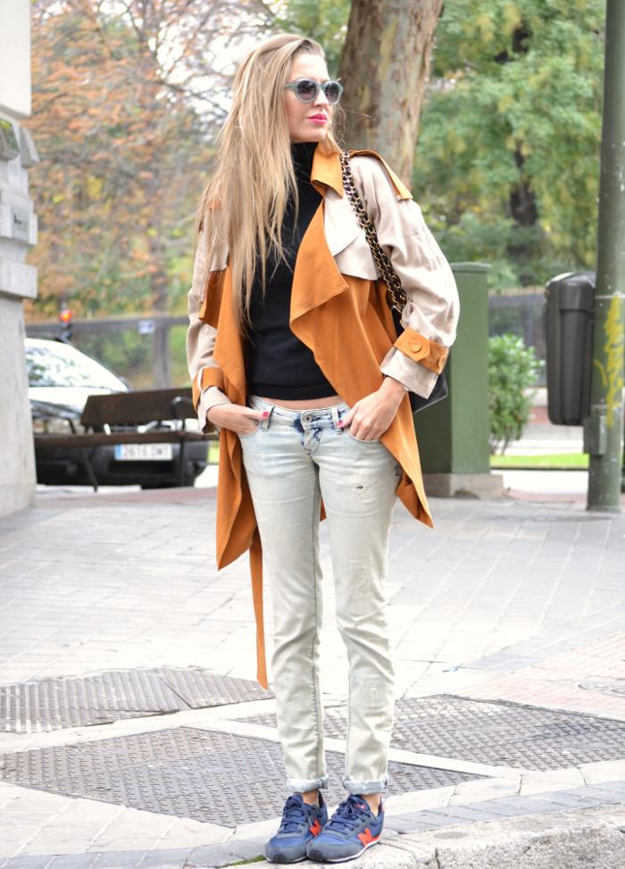Trench_255_Chanel_Bag_Jeans_New_Balance_Giorgio_Armani_Lara_Martin_Gilarranz_Bymyheels (4)