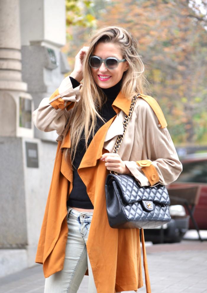 Trench_255_Chanel_Bag_Jeans_New_Balance_Giorgio_Armani_Lara_Martin_Gilarranz_Bymyheels (6)