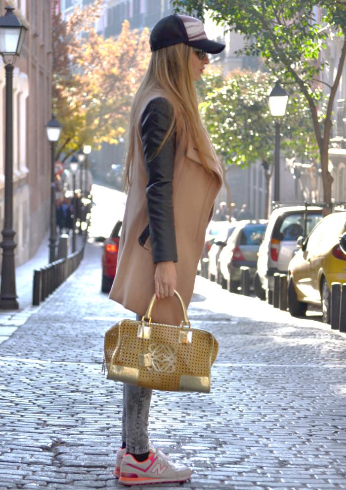 Wool_Leather_Coat_Skinny_Jeans_New_Balance_Cap_Amazona_Loewe_Quiksilver_Giorgio_Armani_Lara_Martin_Gilarranz_Bymyheels (4)