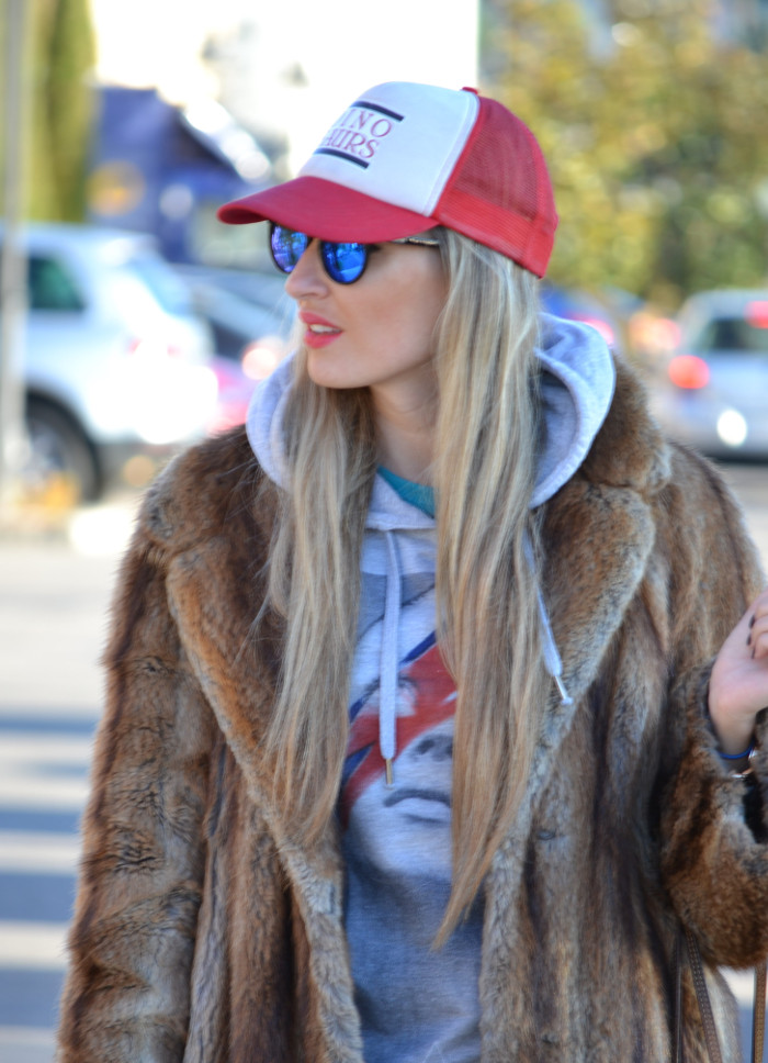 Fur_Cap_Sweatshirt_Neverfull_Louis_Vuitton_BootiesVelvet_Lara_Martin_Gilarranz_Bymyheels (1)