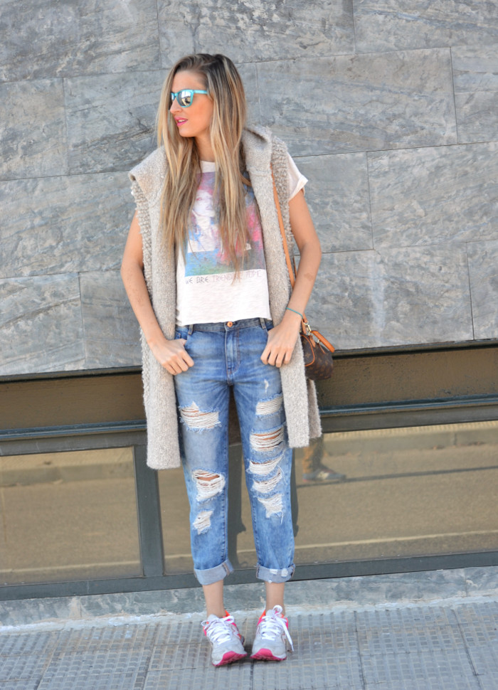 Fur_Vest_Boyfriend_Jeans_Mini_Speedy_Louis_Vuitton_Dear_Tee_New_Balance_Knockarround_Lara_Martin_Gilarranz_Bymyheels (1)