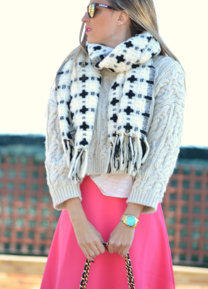 Midi_Skirt_Jumbo_Chanel_Stilettos_Sweater_Wool_Pink_Scarf_Lara_Martin_Gilarranz_Bymyheels (10)