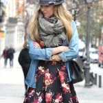 Vestido de flores y denim, mix and match
