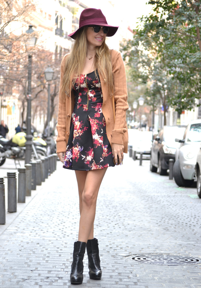 Flowers_Dress_Hat_Lavand_Booties_Cardigan_Pochette_Eva_Louis_Vuitton_Bymyheels (9)