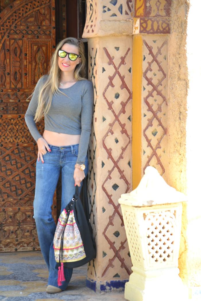Flared_Jeans_Mochila_Morocco_Rally_Solidario_Lara_Martin_Gilarranz_Bymyheels (2)