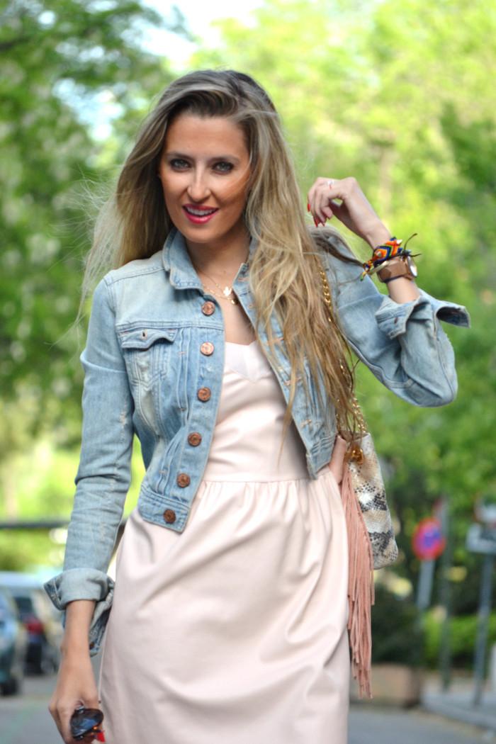 Pink_Leather_Dress_Denim_Jacket_Guess_Boots_Urban_Vicart_Lara_Martin_Gilarranz_Bymyheels (11)