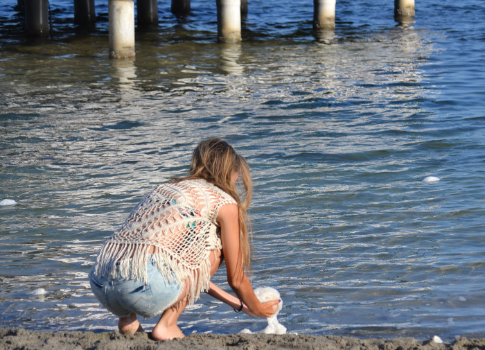 C&A_Crochet_Denim_Shorts_Flowers_Print_Cap_Beach_Fun_Lara_Martin_Gilarranz_Bymyheels (4)