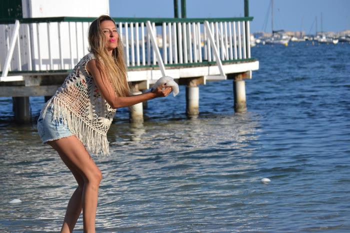 C&A_Crochet_Denim_Shorts_Flowers_Print_Cap_Beach_Fun_Lara_Martin_Gilarranz_Bymyheels (5)