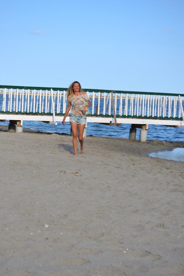 C&A_Crochet_Denim_Shorts_Flowers_Print_Cap_Beach_Fun_Lara_Martin_Gilarranz_Bymyheels (7)