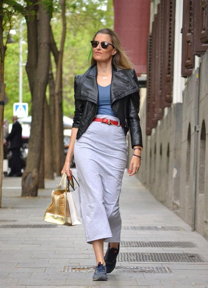 Loewe_Bag_Amazona_New_Balance_Long_Skirt_Leather_Perfecto_Jacket_Clubmaster_Lara_Martin_Gilarranz_Bymyheels (11)