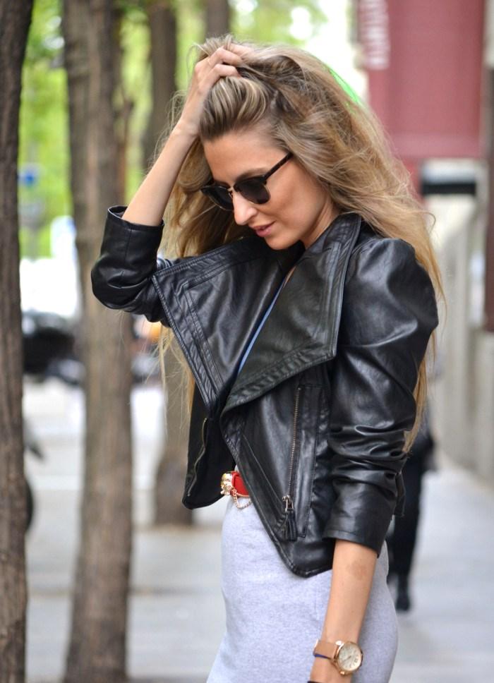 Loewe_Bag_Amazona_New_Balance_Long_Skirt_Leather_Perfecto_Jacket_Clubmaster_Lara_Martin_Gilarranz_Bymyheels (4)