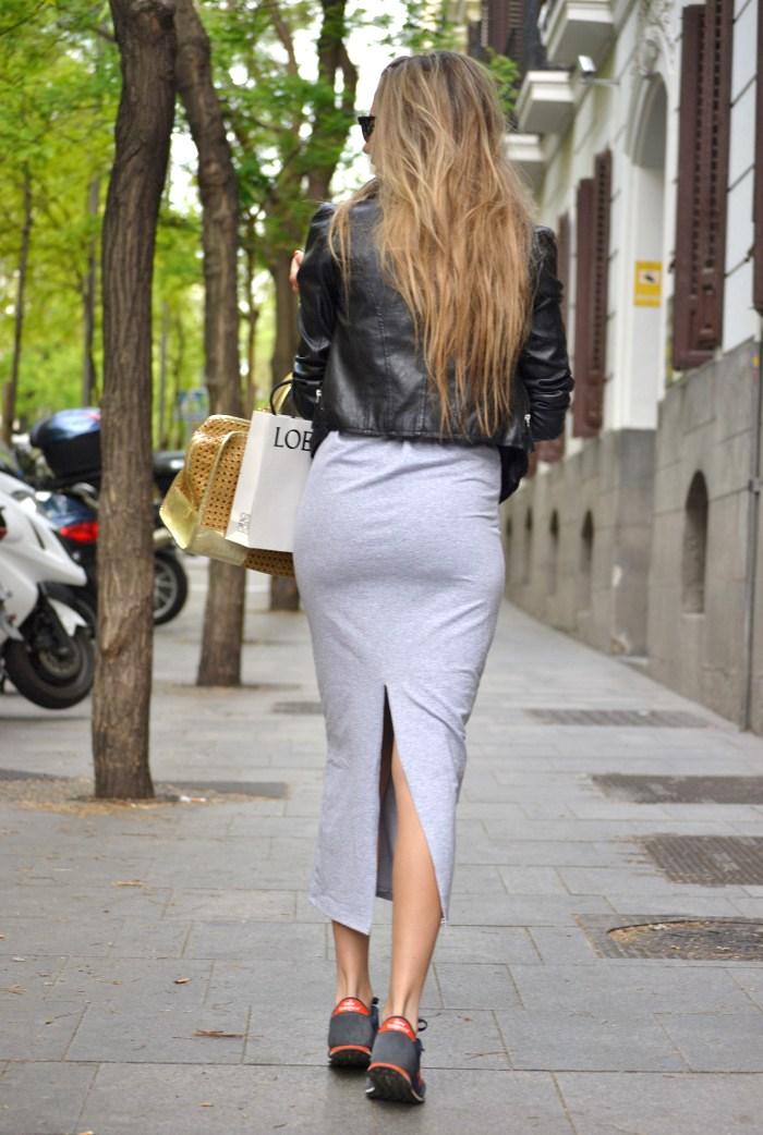 Loewe_Bag_Amazona_New_Balance_Long_Skirt_Leather_Perfecto_Jacket_Clubmaster_Lara_Martin_Gilarranz_Bymyheels (5)