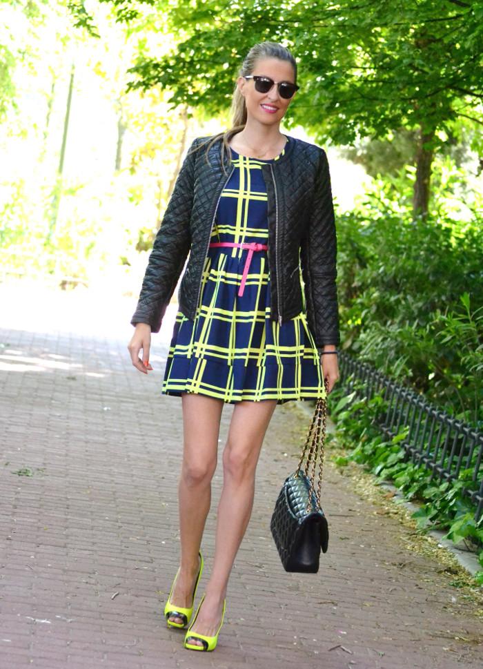 Versace_Heels_Fluor_Letaher_Jacket_Dress_Lara_Martin_Gilarranz_Bymyheels_ (6)