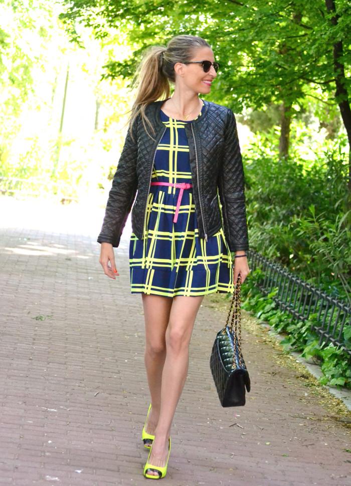 Versace_Heels_Fluor_Letaher_Jacket_Dress_Lara_Martin_Gilarranz_Bymyheels_ (7)