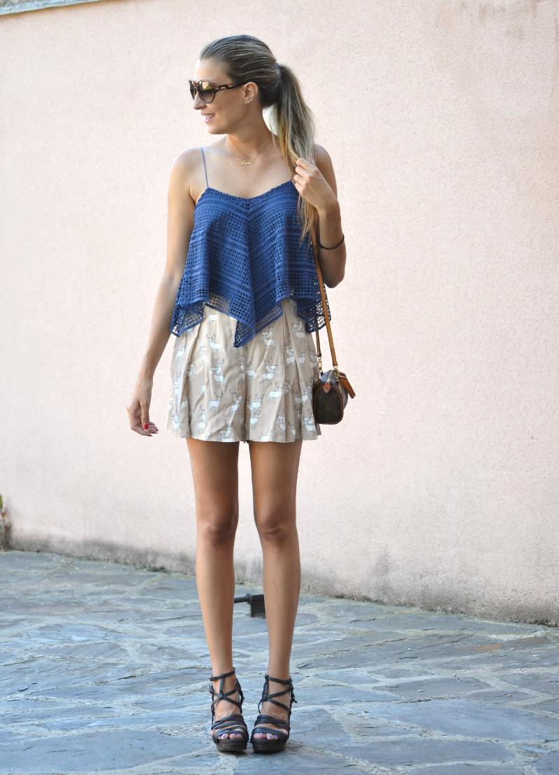 Crochet_Top_Blue_Shorts_Zara_Sandals_Lara_Martin_Gilarranz_Bymyheels (8)