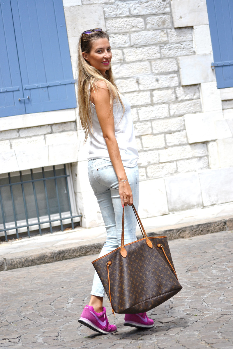 Capri_Pants_Bayona_Tank_Top_Nike_Neverfull_Louis_Vuitton_Bymyheels (7)