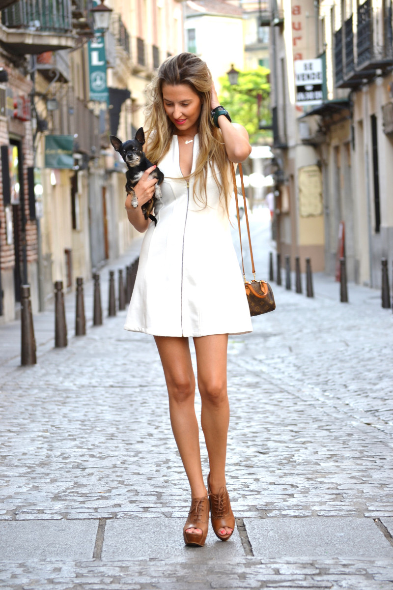 Vestido_Cremallera_White_Dress_Platforms_Zara_Louis_Vuitton_Chihuahua_Dallas_Lara_Martin_Gilarranz_Bymyheels (1)