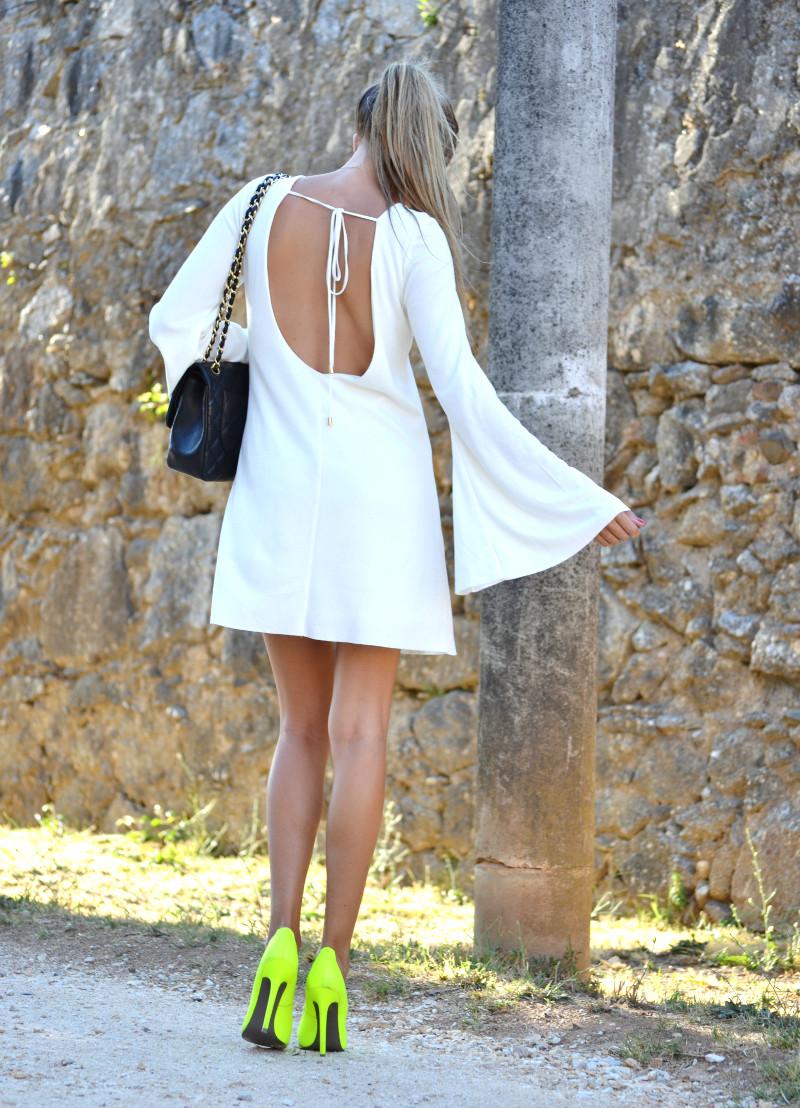 White_Dress_Back_Fluor_Versace_Jumbo_Chanel_Lara_Martin_Gilarranz_Bymyheels (1)